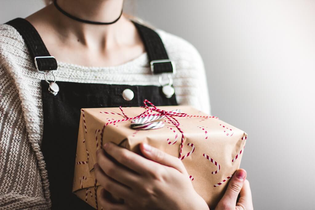 32 Hadiah Untuk Wanita Yang Unik Dan Menarik 2019 Infosantai